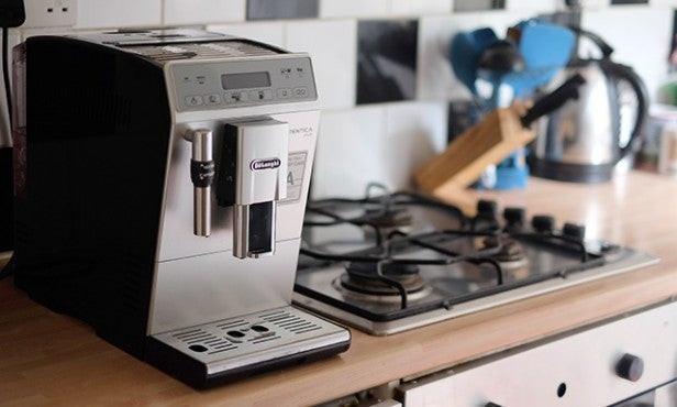 cafetière à grains Delonghi Autentica